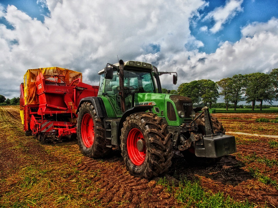 Tractor and fore end loader